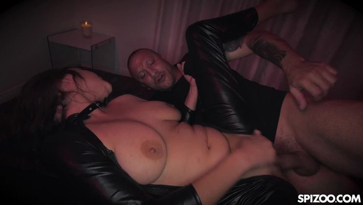 Cute Brunette Mandy Meadows Sex Slave