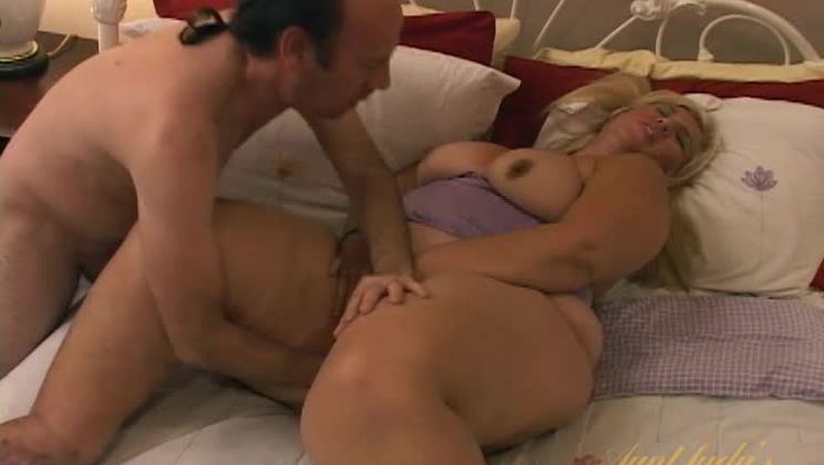 Big Beauty Monique Loves to Suck and Fuck