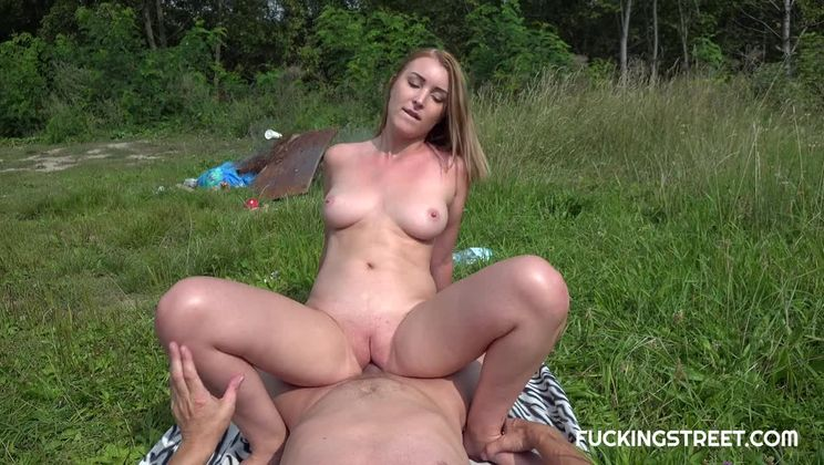 Sexy Russian girl was caught for hot sex