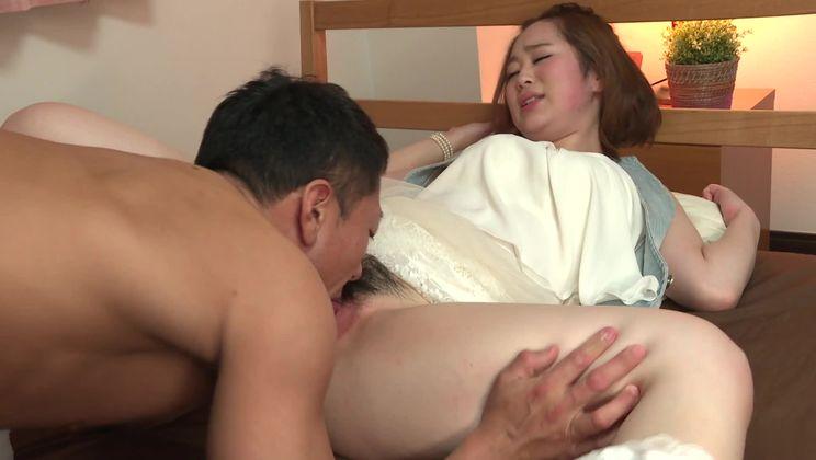 Bonny Doremi Miyamoto fingering her pussy till orgasm