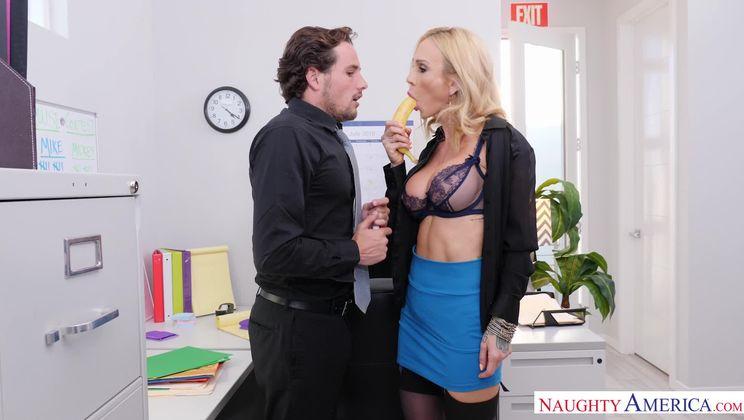 Sarah Jessie,Tyler Nixon Naughty Office