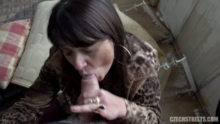 Fuck Machine Squirting Orgasm