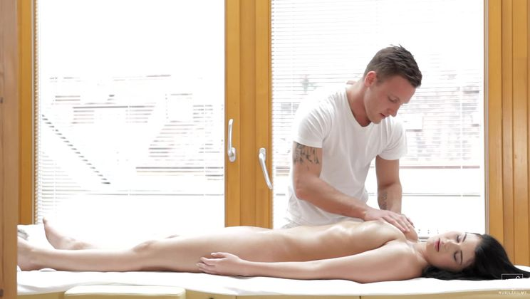 Full Body Massage - S10:E7