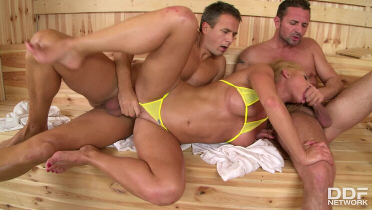 Double Dick Down in the Sauna