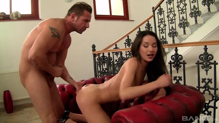 Nataly Gold slaps her own ass during anal before swallowing